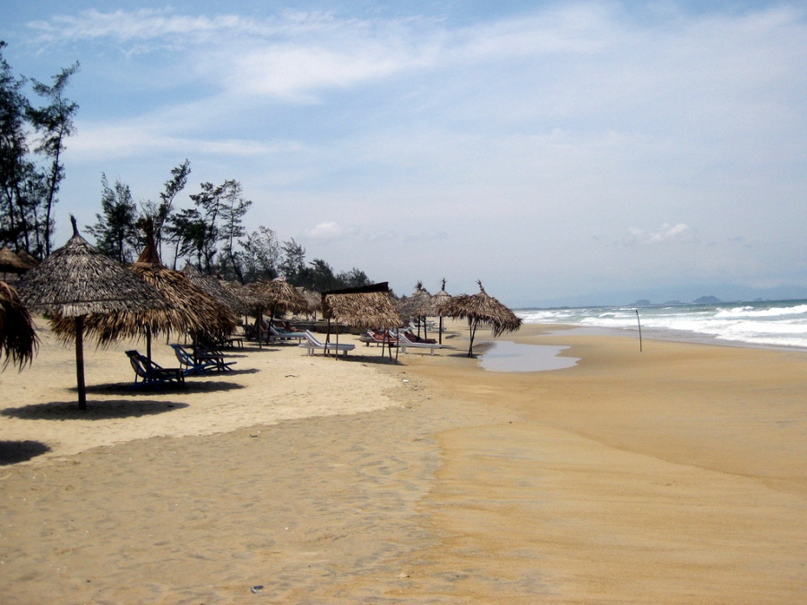 vietnam-hoi-an-an-bang-beach